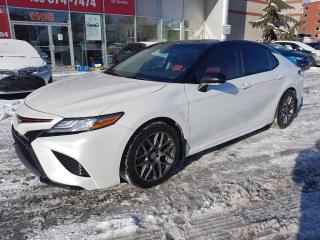 Used 2018 Toyota Camry XSE * TOIT PANORAMIQUE**CHARGEUR SANS FIL**CUIR * for sale in Longueuil, QC