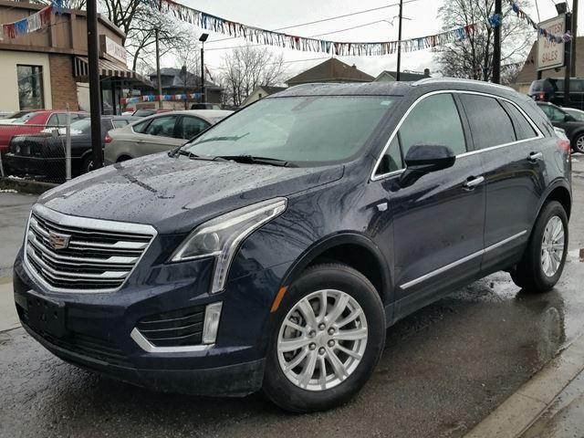 2017 Cadillac XT5 FWD LUXURY Low-Low Km's Super Clean!!!