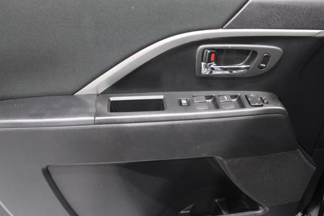 2014 Mazda MAZDA5 7 PASSENGER. WE APPROVE ALL CREDIT