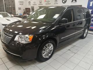 Used 2016 Chrysler Town & Country TOURING L / CUIR / STOW AND GO / CAMERA for sale in Sherbrooke, QC