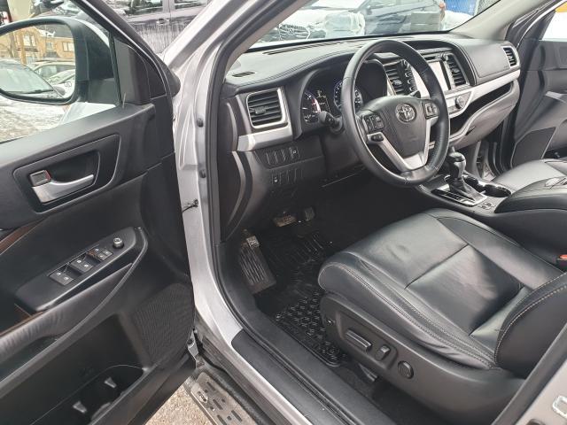 2015 Toyota Highlander XLE Photo9