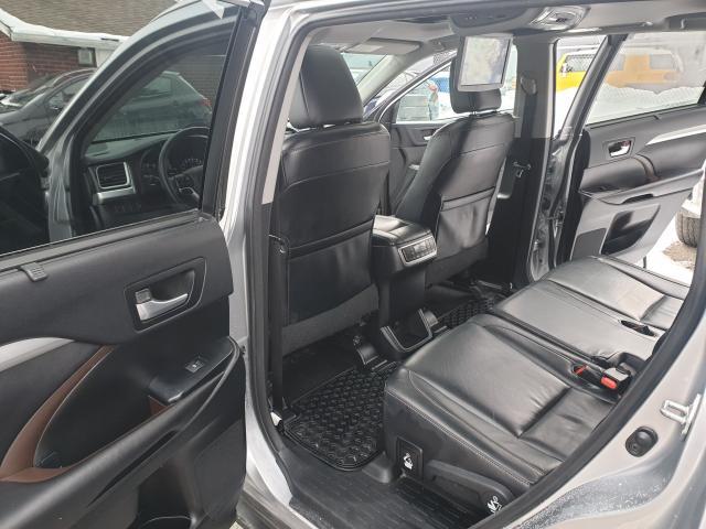 2015 Toyota Highlander XLE Photo10