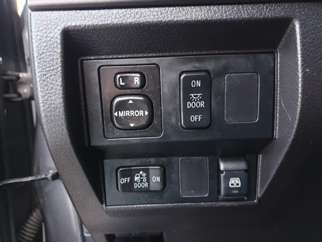 2015 Toyota Tundra SR5 Photo15