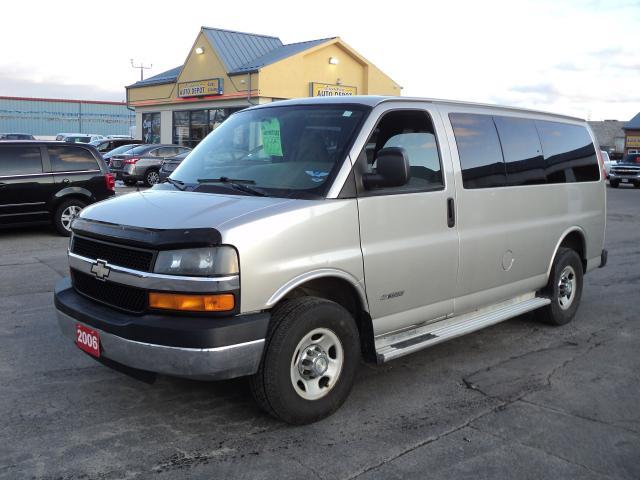 2006 Chevrolet Express 3500 LS 6.0L Vortec 12 Passenger