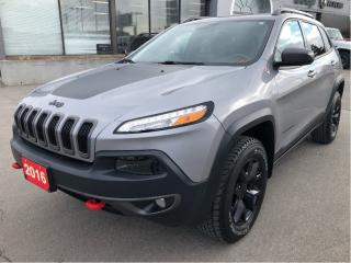 Used 2016 Jeep Cherokee Trailhawk 4x4 V6 w/Tow Pack, Leather, Remote Start for sale in Hamilton, ON
