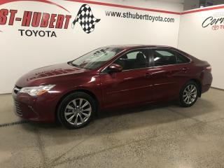 Used 2017 Toyota Camry XLE, NAVIGATION, TOIT OUVRANT for sale in St-Hubert, QC