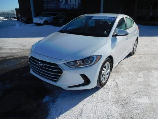 Used 2017 Hyundai Elantra LE, A/C, BANC CHAUFFANT, VITRES+PORTES ELEC for sale in Mirabel, QC