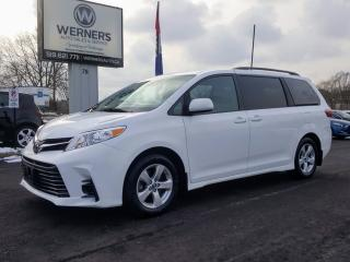Used 2018 Toyota Sienna LE  8-Passenger for sale in Cambridge, ON
