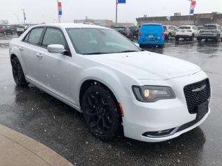 Used 2019 Chrysler 300 l Leather l Back Up Cam l 8.4 Media Screen l Htd for sale in Etobicoke, ON