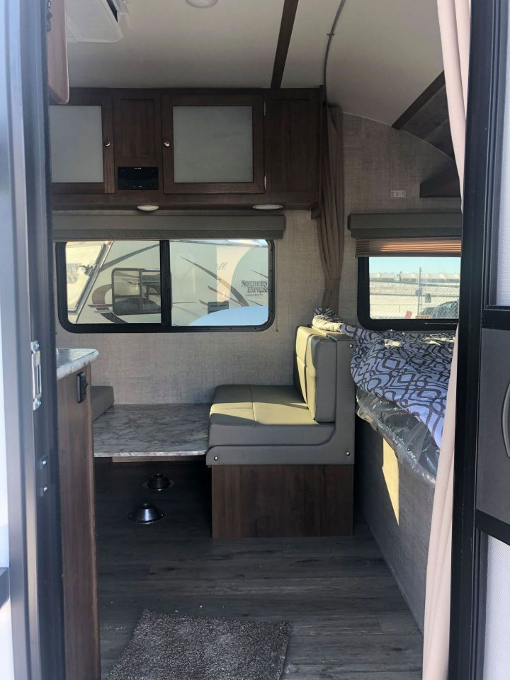 2021 Gulf Stream Coach  188RB