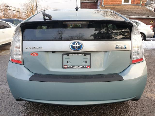 2013 Toyota Prius  Photo6