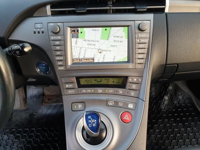 2013 Toyota Prius  Photo12