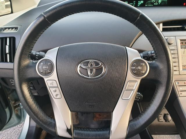 2013 Toyota Prius  Photo15