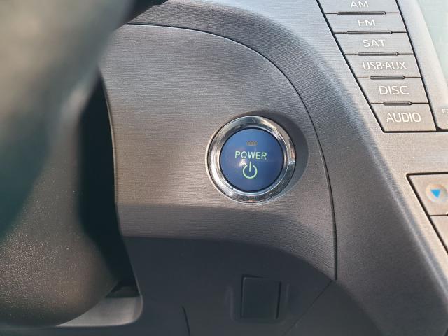 2013 Toyota Prius  Photo16