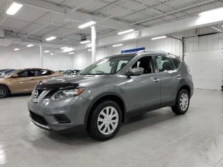 Used 2015 Nissan Rogue S for sale in Saint-Eustache, QC