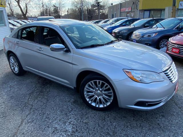 2012 Chrysler 200 LIMITED/ NAVI/ LEATHER/ SUNROOF/ PWR SEAT/ ALLOYS!