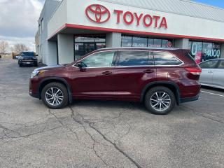 Used 2017 Toyota Highlander XLE WITH HEATED SEATS REVERSE PARKING CAMERA for sale in Cambridge, ON