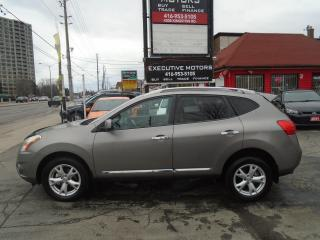 Used 2011 Nissan Rogue SV /AWD / REAR CAM / SUPER CLEAN /CERTIFIED / MINT for sale in Scarborough, ON