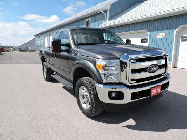 2016 Ford F-250 XLT. 4X4. Seats 6. Only 64000 km's