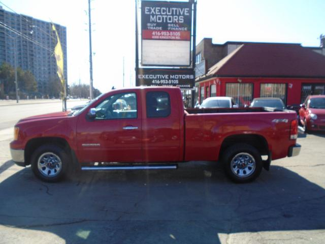 2010 GMC Sierra 1500 SL Nevada Edition/ SUPER CLEAN/ CERTIFIED / 4X4 /