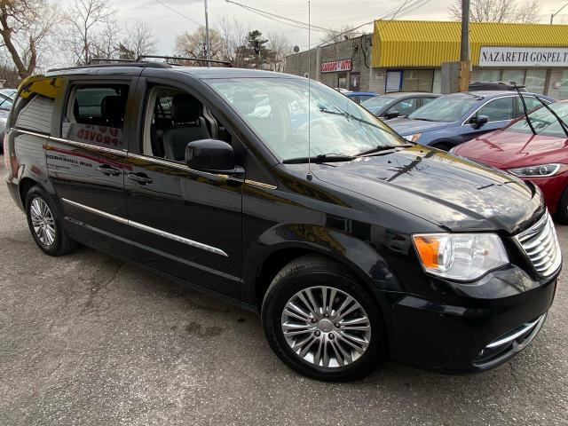 2014 Chrysler Town & Country TOURING/ LEATHER/ BACK UP CAM/ ALLOYS/ TINTED + +