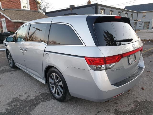2014 Honda Odyssey Touring Photo6