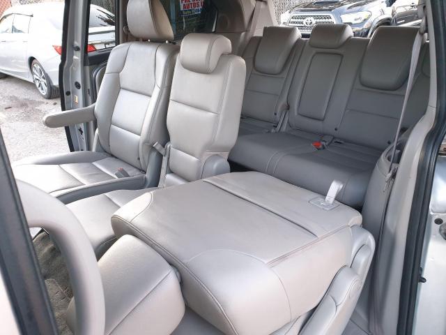 2014 Honda Odyssey Touring Photo13
