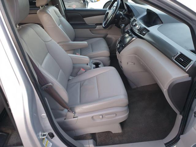 2014 Honda Odyssey Touring Photo18