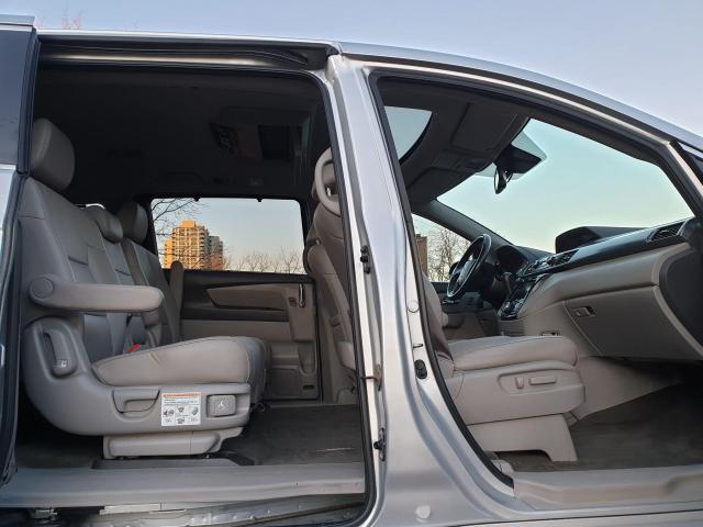 2014 Honda Odyssey Touring Photo28
