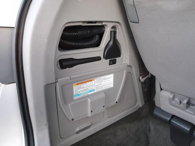 2014 Honda Odyssey Touring Photo32