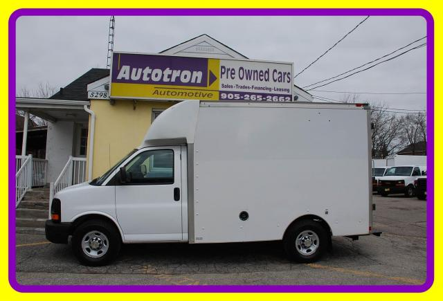 2014 Chevrolet G3500 10' Cube Van, Compressor