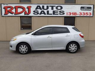 Used 2014 Toyota Matrix 1 OWNER ,ACCIDENT FREE for sale in Hamilton, ON