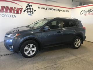 Used 2014 Toyota RAV4 AWD XLE, TOIT OUVRANT for sale in St-Hubert, QC