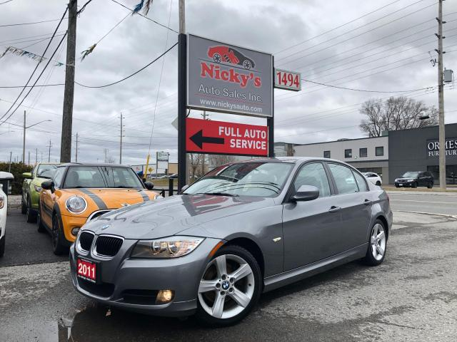 2011 BMW 323i SUNROOF - AUTO - ALLOY WHEELS - LOW KMS!