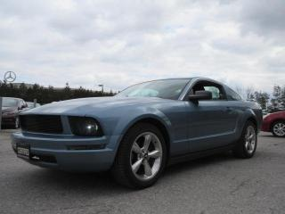 Used 2005 Ford Mustang 2dr Cpe / ACCIDENT FREE for sale in Newmarket, ON
