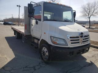 Used 2008 Hino 165 FLAT BED for sale in Châteauguay, QC