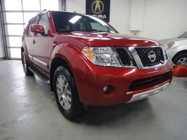 2010 Nissan Pathfinder LE,ONE OWNER,7 PASS,NO ACCIDENT.LOW KM
