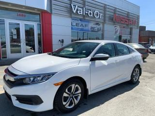 Used 2017 Honda Civic LX ** MANUEL + CAMÉRA DE RECUL + SIÈGES CHAUFFANT for sale in Val-d'Or, QC