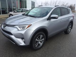 Used 2016 Toyota RAV4 AWD XLE for sale in St-Eustache, QC