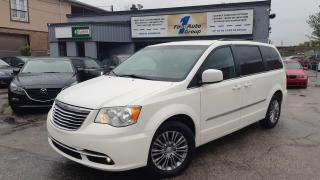 2013 Chrysler Town & Country Touring w.Leather, Backup Cam