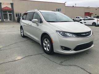 Used 2019 Chrysler Pacifica Hybrid Touring-L 2RM for sale in Sherbrooke, QC