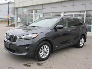 Used 2019 Kia Sorento 3.3L LX V6 PREMIUM 7 SEATER/ BACKUP CAMERA/ANDROID AUTO AND APPLE CARPLAY/POWER SEATS/HEATED SEATS AND STEERING WHEEL/AWD for sale in Mississauga, ON
