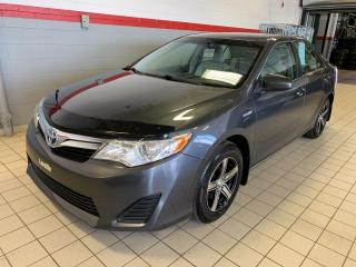 Used 2012 Toyota Camry HYBRID CAMRY LE for sale in Terrebonne, QC