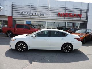 Used 2018 Nissan Altima 2.5 SV berline for sale in St-Georges, QC