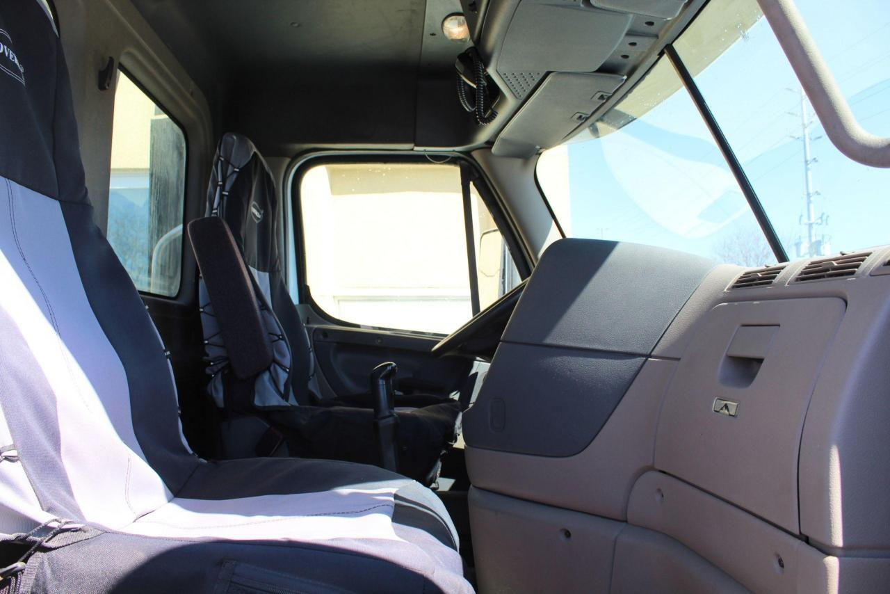 2015 Freightliner Day Cab
