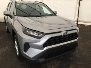 Used 2019 Toyota RAV4 LE LAND DEPART WARNING, ADAPTIVE CRUISE CONTROL, REVERSE CAMERA, HEATED SEATS for sale in Ottawa, ON