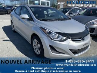 Used 2016 Hyundai Elantra L MANUELLE + VITRES ÉLECTRIQUE for sale in Sherbrooke, QC