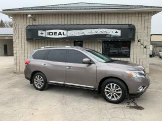 Used 2014 Nissan Pathfinder SL for sale in Mount Brydges, ON