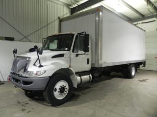 Used 2011 International DuraStar 25 FT BOX TRUCK for sale in Brantford, ON