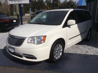 Used 2013 Chrysler Town & Country TOURING for sale in Parksville, BC